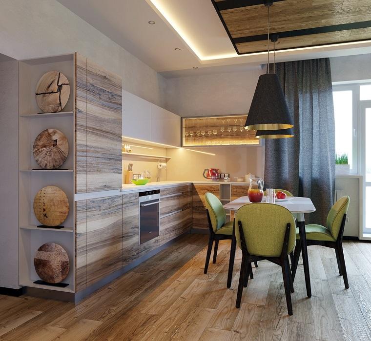 Cucina con set tavolo da pranzo, mobili di legno colore sfumato in abbinamento al grigio