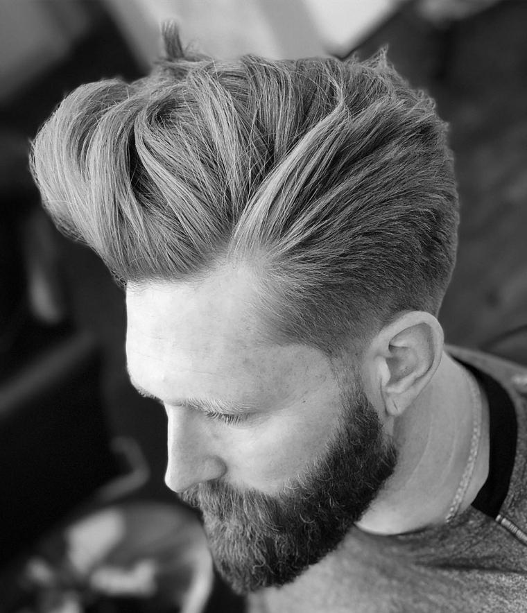Capelli rasati uomo, idea acconciatura pompadour, rasatura laterale, ragazzo con barba