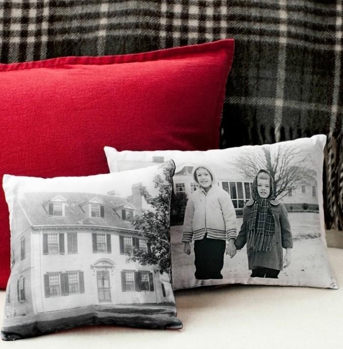 Idee fai da te, regalo personalizzato per la Festa della Mamma, cuscini personalizzati con fotografie in bianco e nero