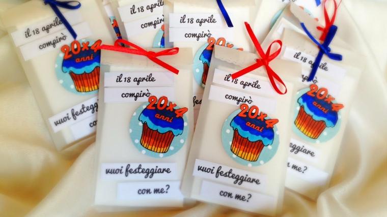 bustine decorate con una torta, idea per realizzare degli inviti per feste di compleanno per bimbi