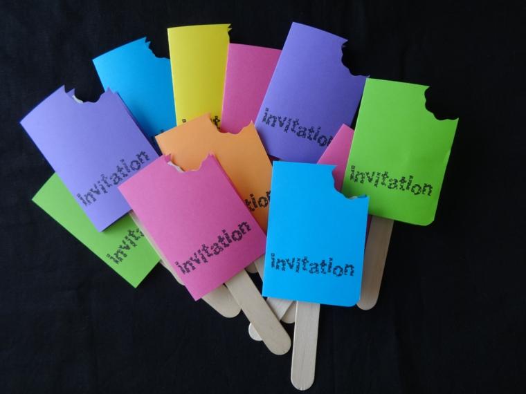 colorati ghiaccioli di cartone come idea originale fai da te per degli inviti di compleanno