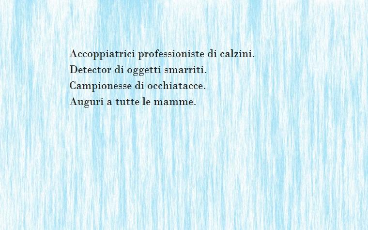 Frase di colore nero per la festa della mamma, sfondo azzurro con sfumature bianche