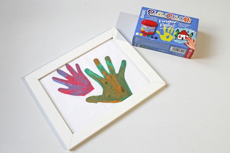 lavoretti festa del papà cornice con impronte colorate dei bambini