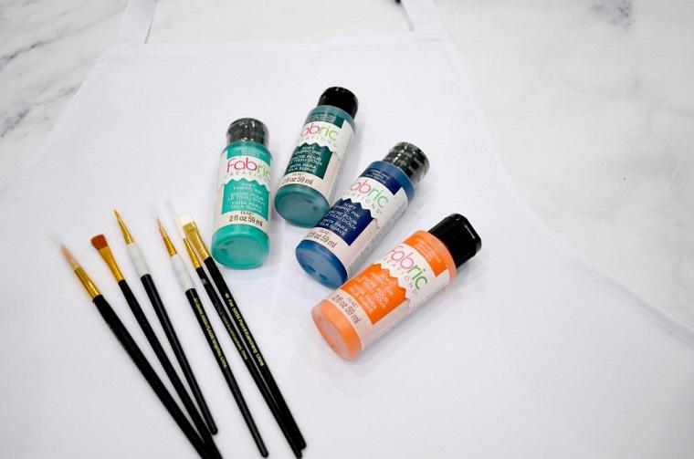lavoretti per il papà fai da te bottigliette con colori acrilici pennelli per colorare