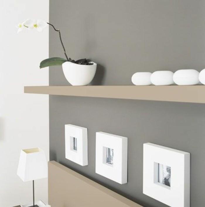 Idea colori pareti grigie, abbinamento decorazioni colore bianco, orchidea in vaso