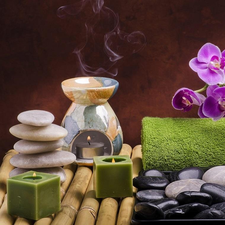 Olio essenziale nell'aromaterapia, decorazioni zen come in uno spa