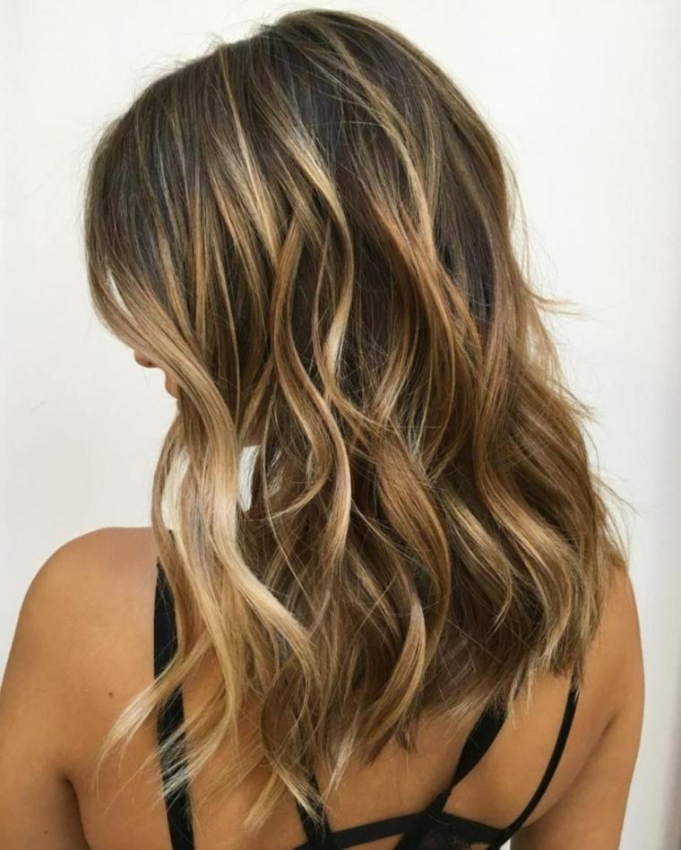 Degrade biondo capelli lunghi