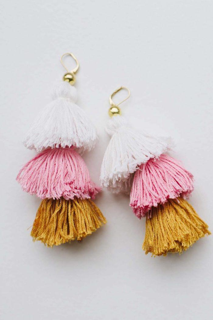 Regalini fai da te, orecchini con frange di lana, frange colorate per orecchini donna