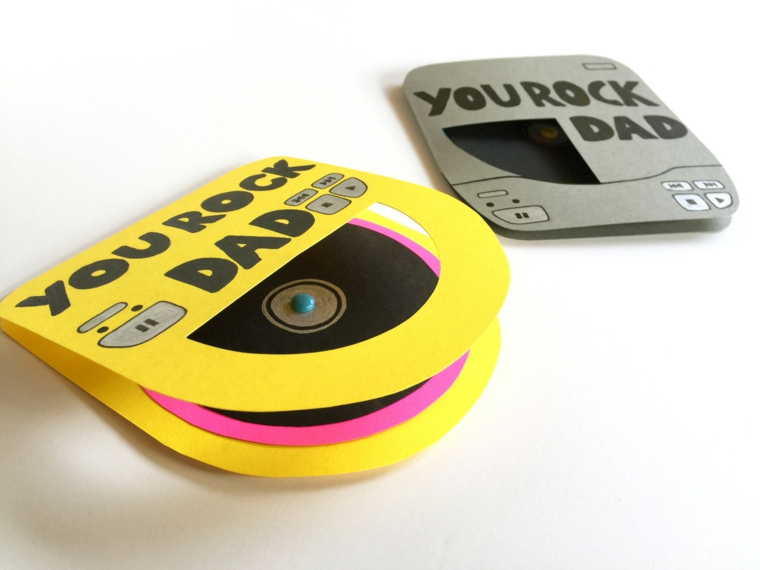 un'idea fai da te originale per la festa del papà: un porta cd con una dedica
