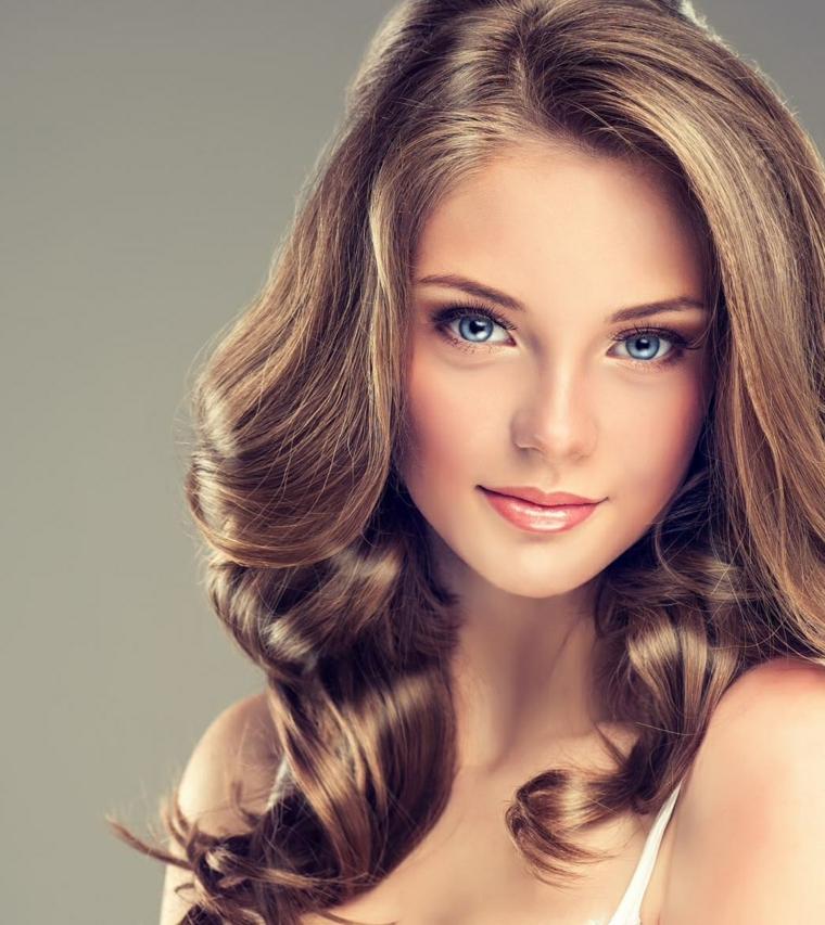 Colore capelli con occhi blu