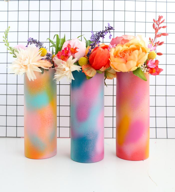 Vasi dipinti con vernice in spray, vasi per fiori, idea regalo per la mamma
