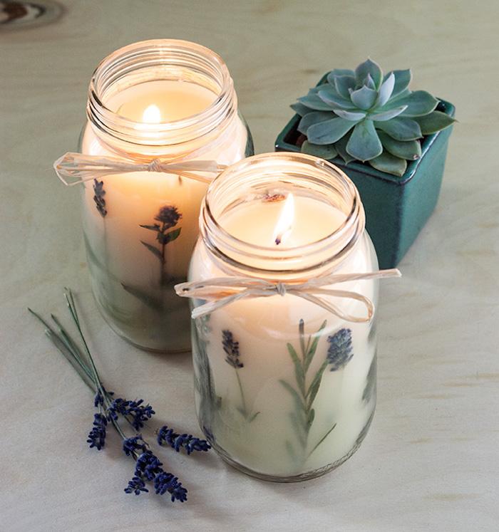 Candela con fiori di lavanda, barattolo di vetro con candela, sorprese per lui fai da te