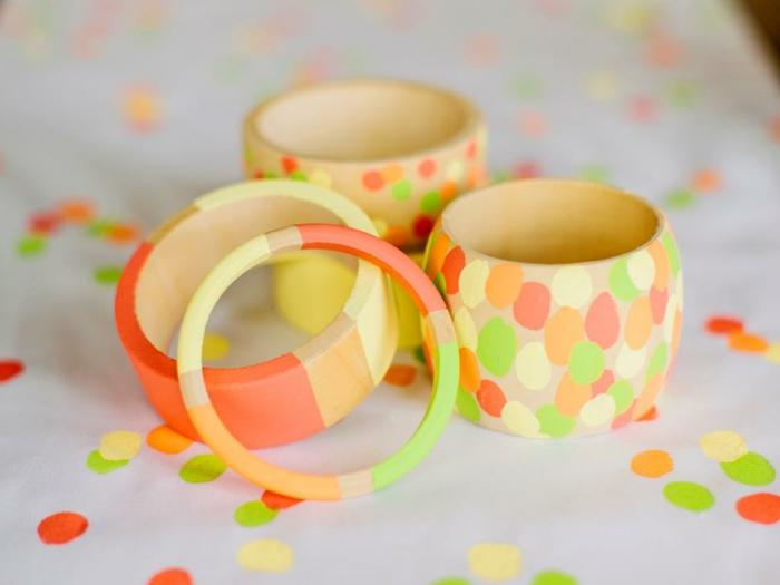 Braccialetti di legno colorati a mano, idea regalo ad una compleanno ragazza