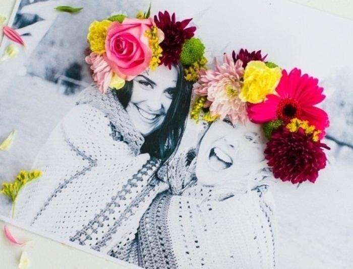 Creazioni fai da te, foto in bianco e nero da offrire alle amiche, decorazione con fiori