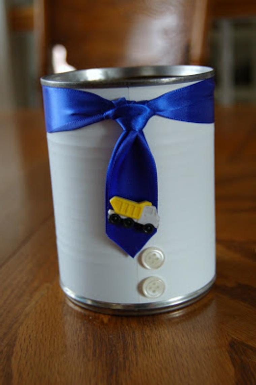un porta matite realizzato fai da te con un barattolo: lavoretti per il papà creativi