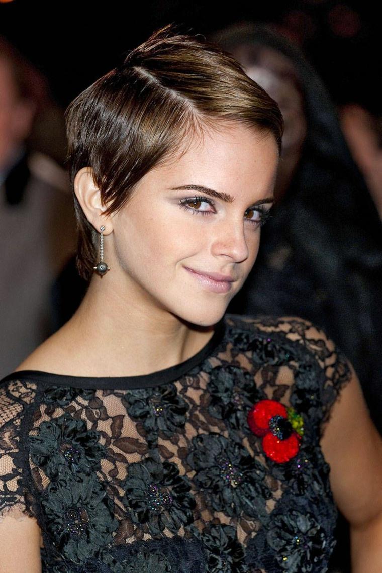 emma watson con un taglio corto e i capelli dal colore castano chiaro