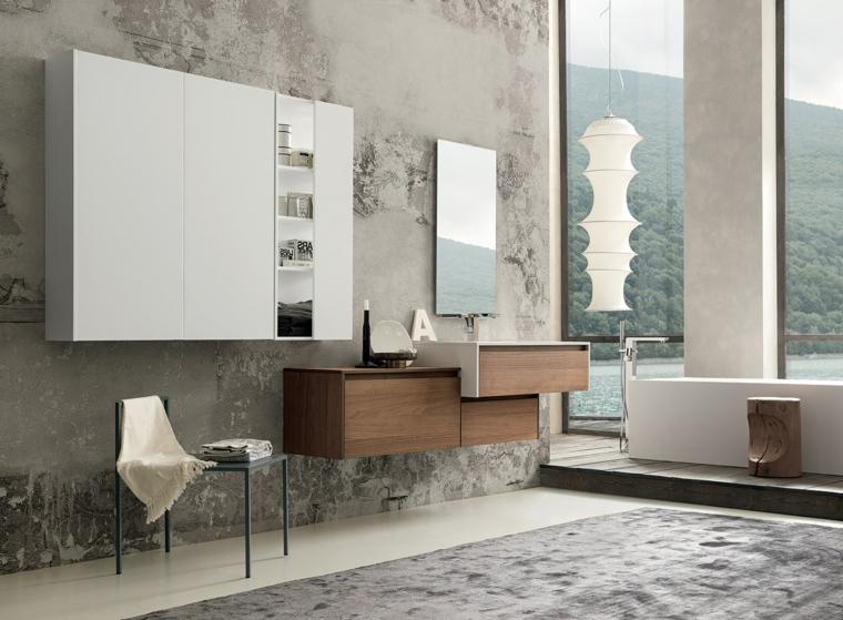 Come arredare un bagno, mobile legno sospeso diversi livelli, parete colore grigio bianco sporco, vasca forma rettangolare