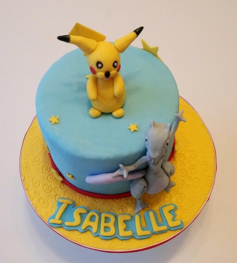 Torte di compleanno particolari, forma rotonda e decorata con il personaggio di Pokemon