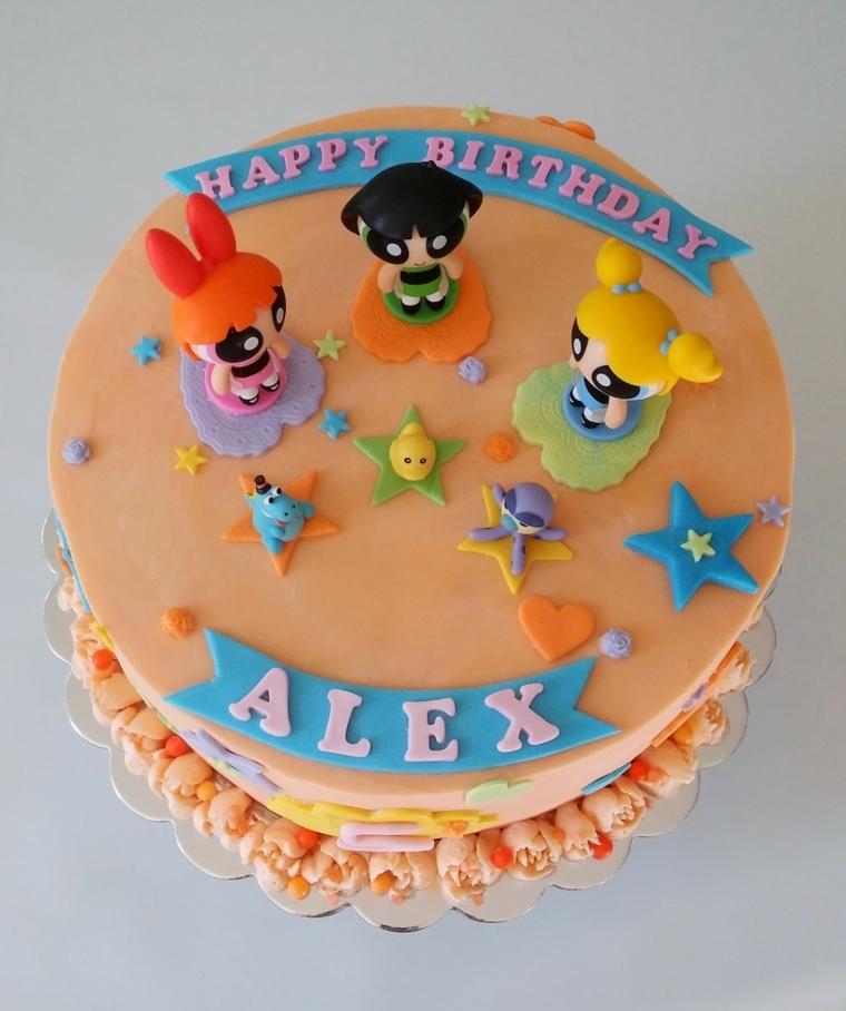 Foto torte compleanno, decorazione con pasta di zucchero e i personaggi del cartone Power Puff girls