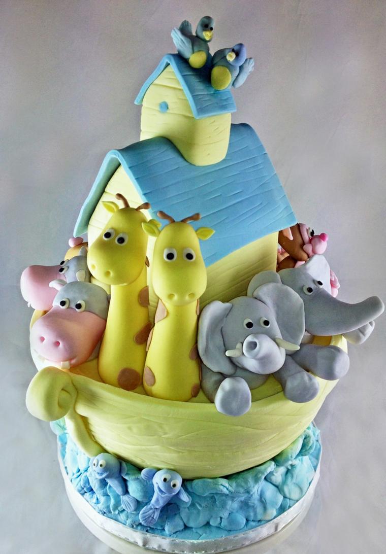 Torta con pasta di zucchero e gli animaletti dell'Arca di Noe, foto torte di compleanno