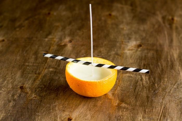 Come fare candele artistiche, stoppino e buccia di limone come portacandele