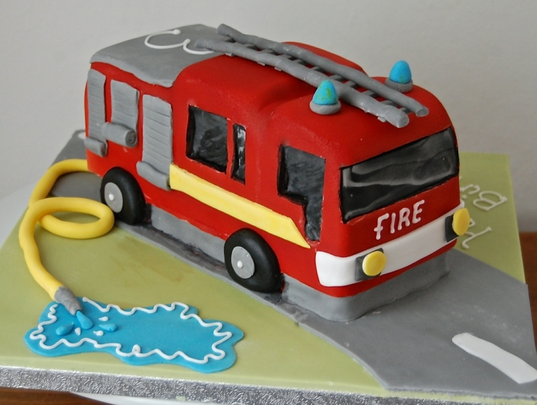 Decorazioni torte, camion dei pompieri con tubo dell'acqua, rivestimento dolce con pasta di zucchero