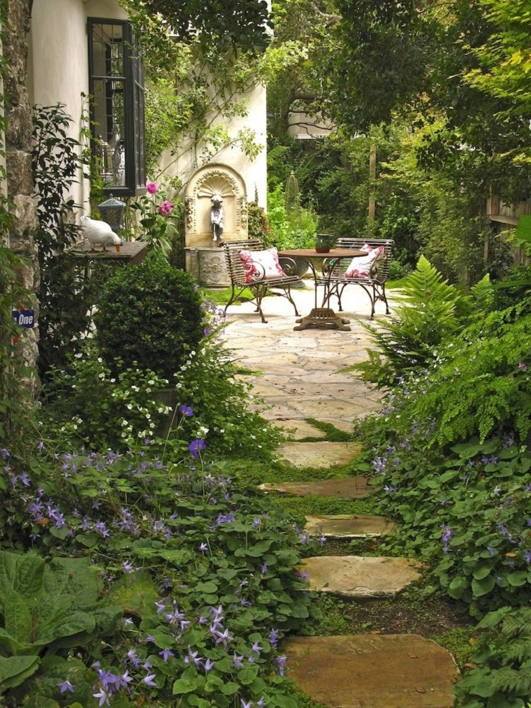 1001 idee per giardini idee da copiare nella propria casa - Pietre camminamento giardino ...