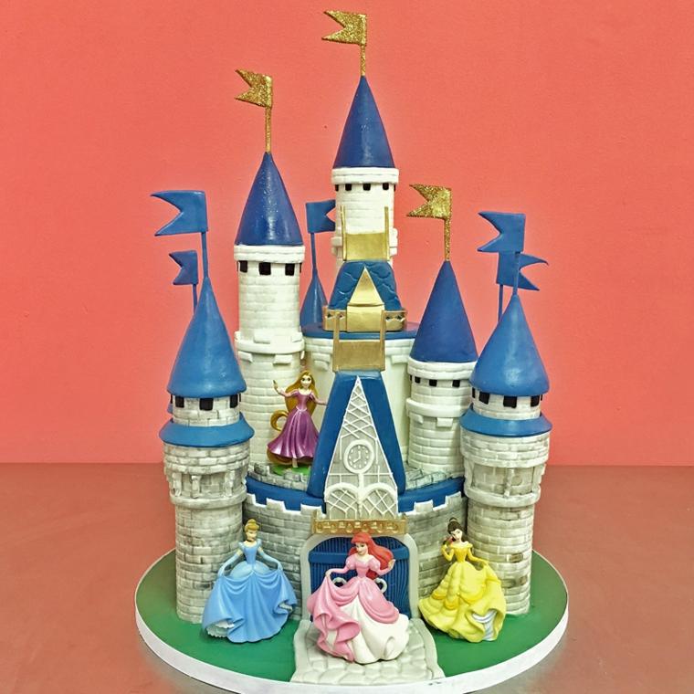 Torte bellissime con le principesse della Disney, castello fatto da pasta di zucchero