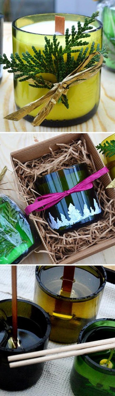 Idea regalo candele fatte in casa, sciogliere la cera e versarla con stoppino in un portacandela di vetro