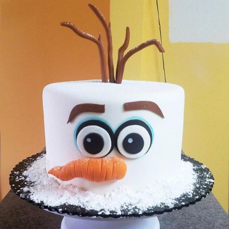 Torte di compleanno particolari, forma rotonda con la faccia di Olaf dal cartone Frozen