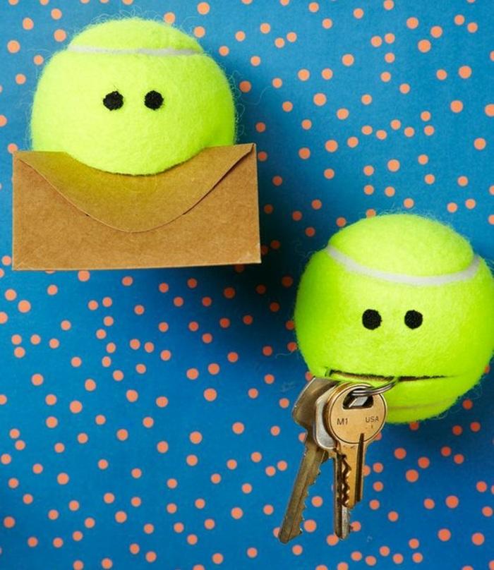 palline da tennis trasformate in porta chiave e porta lettere, fai da te bricolage idee