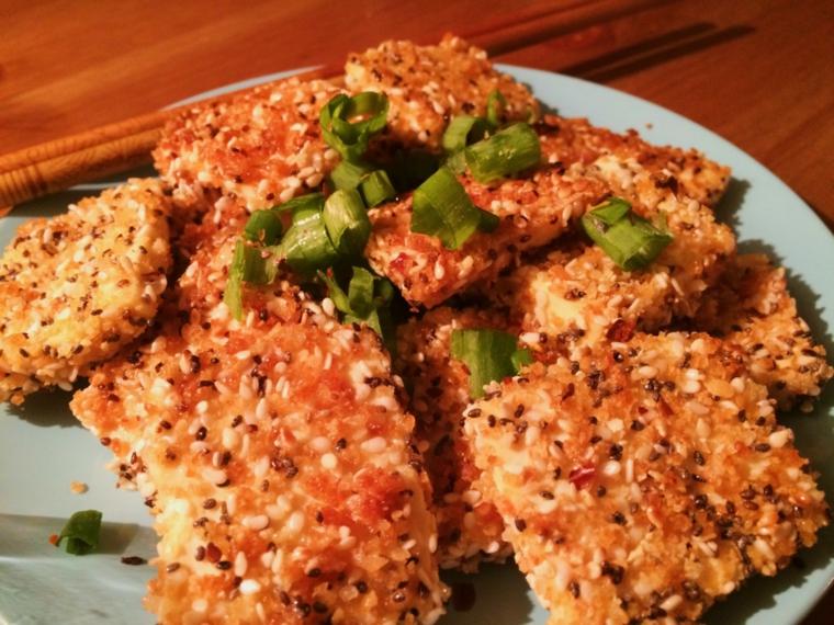 piatto vegano facileda preparare, tofu ricette giallo zafferano con sesamo