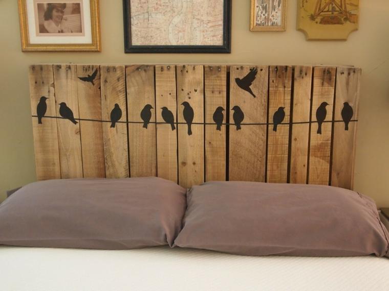 testata del letto facile da realizzare fai da te utilizzando le assi dei bancali