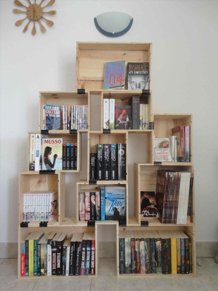 libreria realizzata fai da te: idee pallet originali e creative