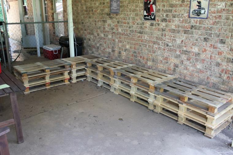immagine della seduta realizzata fai da te: idea per creare dei mobili con bancali