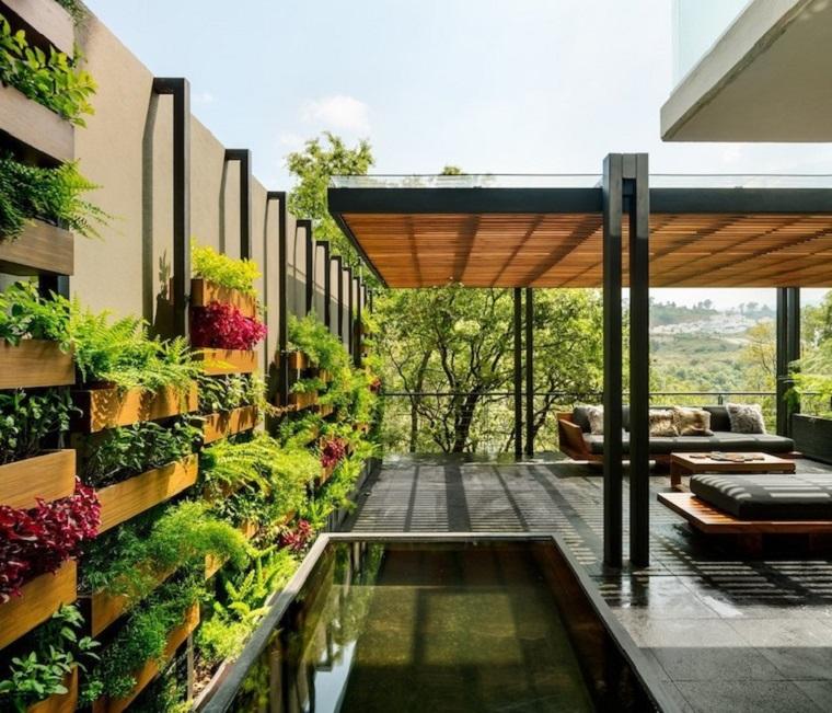 Giardini immagini, pergola in legno e un giardino verticale, arredamento con mobili in legno