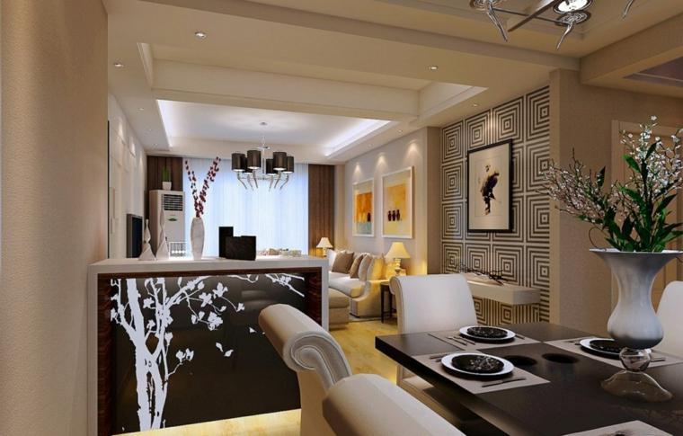 parete fantasia geometrica bianca e nera, tavolo da pranzo nero con sedie bianche, idee per tinteggiare il salotto