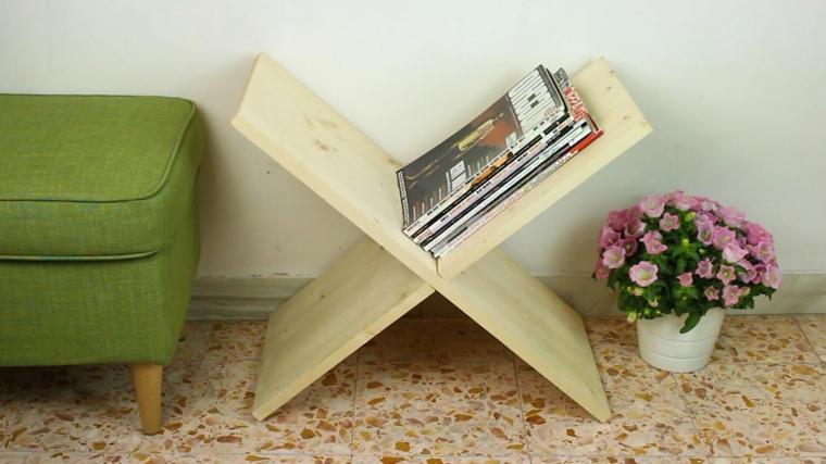 un originale porta riviste realizzato con il legno dei bancali: idee pallet facili e creative