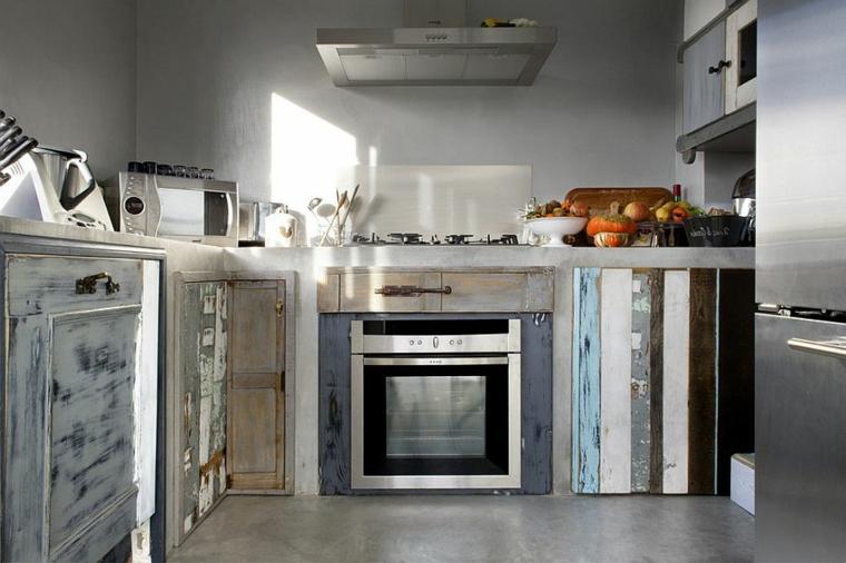ispirazione per creare una cucina shabby moderno con dei mobili dall'aspetto usurato