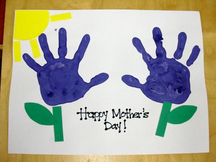 idea per dei disegni festa della mamma realizzati con le impronte delle mani