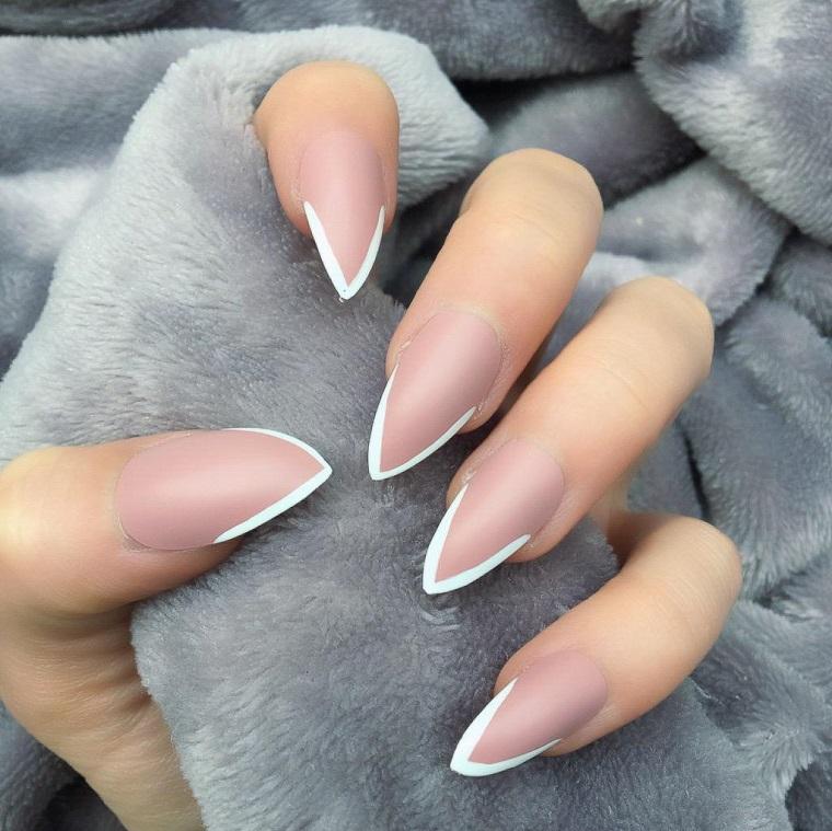 Immagini unghie french decorate, forma manicure stiletto con smalto base di colore rosa