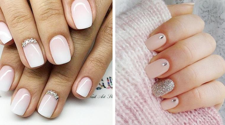 Unghie semplici ma belle, due proposte con smalto di colore chiaro, decorazioni con brillantini e smalto glitter