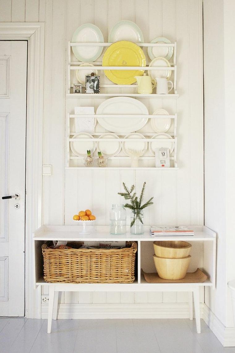 idea per arredare una cucina shabby moderno con delle mensole e un mobile bianco