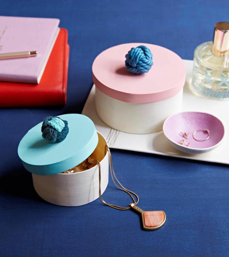 scatoline decorato come portagioie da regalare alla mamma per la sua festa