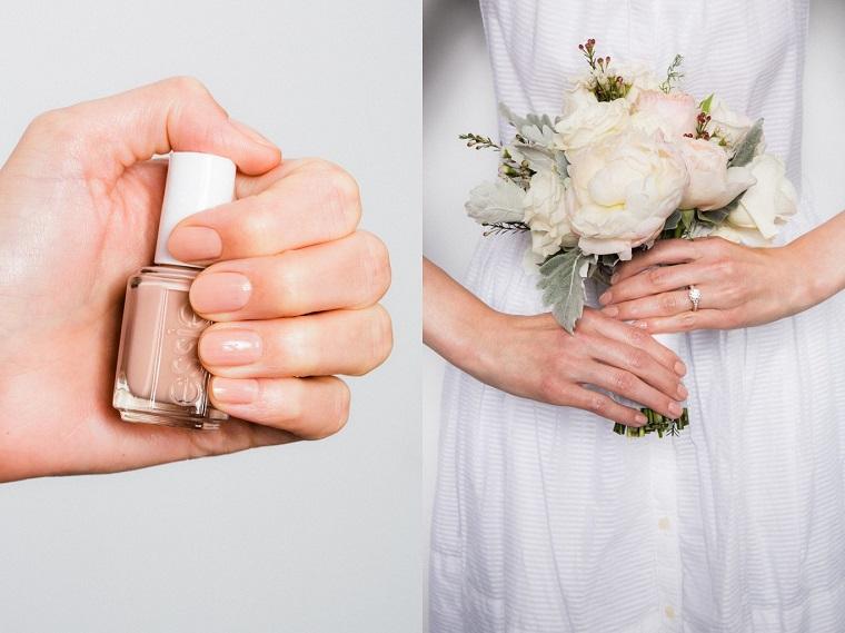 Idea per delle unghie semplici ma belle, smalto colore nude, bouquet sposa fiori bianchi