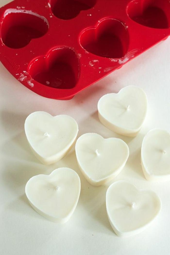 Stoppino fai da te per candele fatte in casa, forma di colore rosso forma di cuori