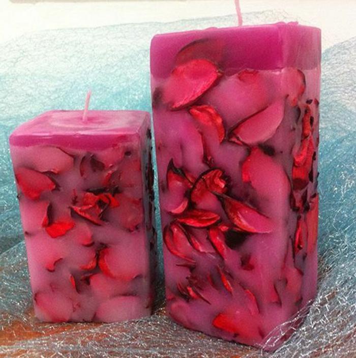 Come fare candele profumate. aroma di fiori, forma rettangolare di colore viola