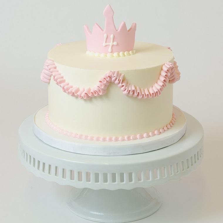 Dolce bimba 4 anni, torte di compleanno per bambini, crema pasticcera di colore bianco e rosa