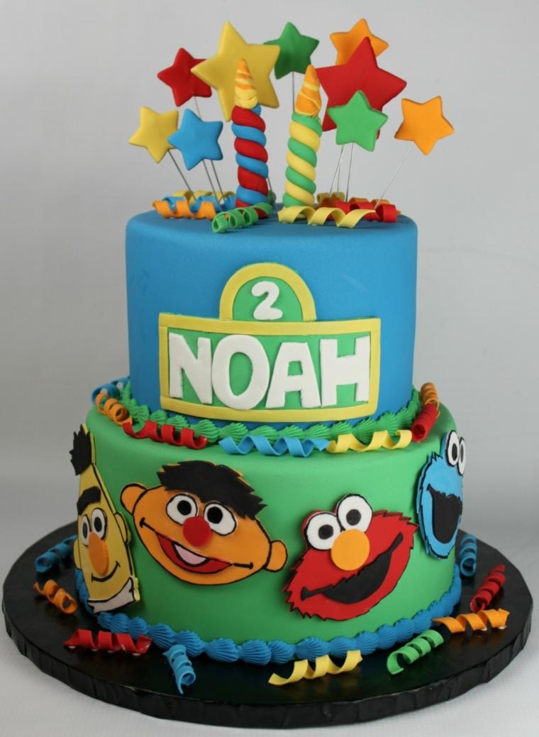 Idea per festa bimbo, torte per bambini decorate con pasta di zucchero, personaggio elmo e Muppet