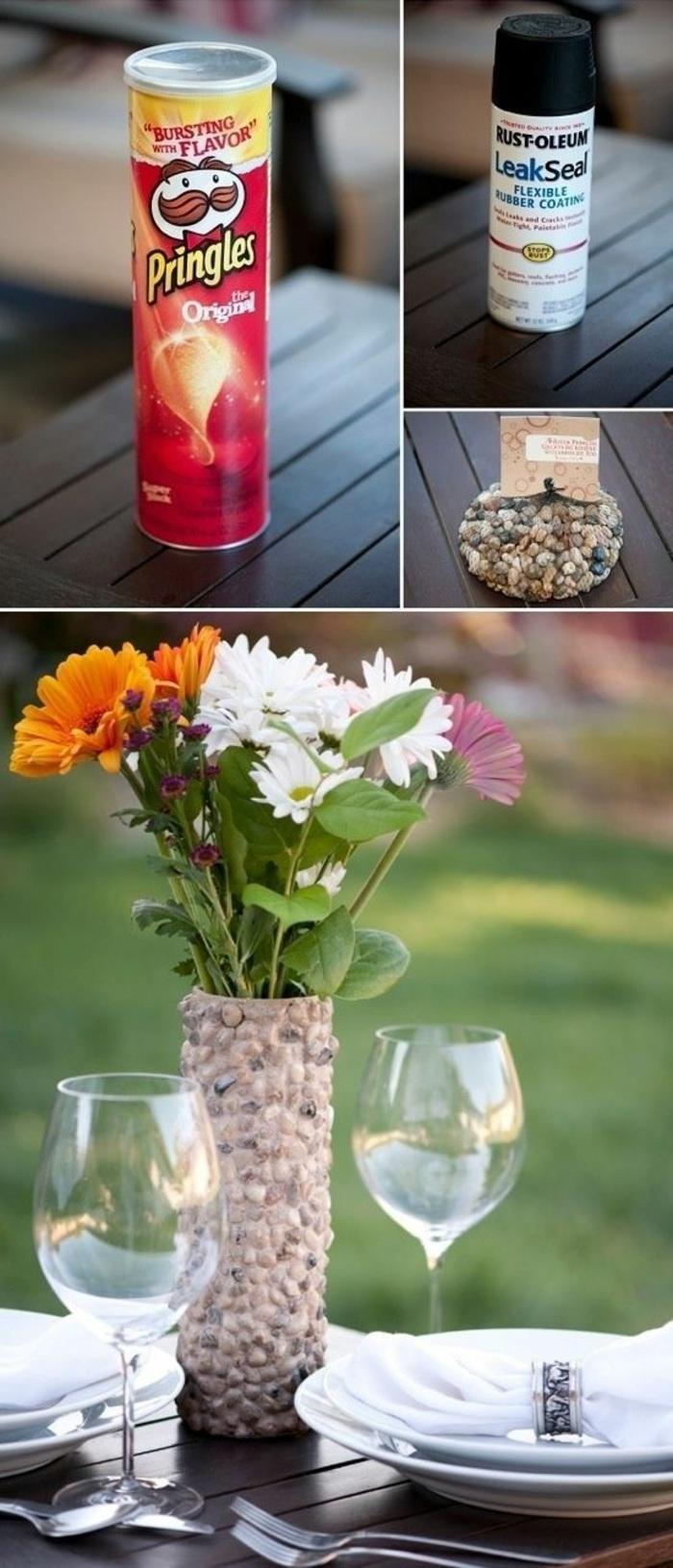 idea per fai da te oggetti creativi, un vaso ideale come centrotavola realizzato con il tubo delle patatine